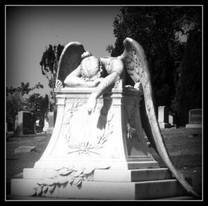lamenting angel statue picture from flickr